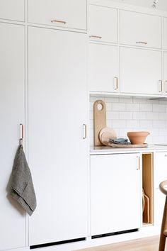 Interior Design Kitchen, New Kitchen, Cabinet, Storage, Furniture, Koti, Home Decor, Kitchens, Design Ideas