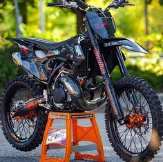 Whats your opinion on KTM dirt bikes? Ktm Dirt Bikes, Cool Dirt Bikes, Dirt Bike Gear, Dirt Biking, Enduro Motocross, Enduro Motorcycle, Yamaha Motorcycles, Motocross Maschinen, Moto Ktm