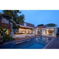 Are you ready to spend weekend? #exterior #exteriordesign #desaineksterior #eksterior #kolamrenang #desainkolamrenang #swimmingpool #swimmingpooldesign #pool #pooldesign #architecture #arsitektur