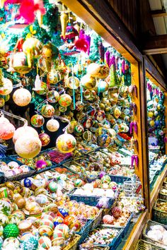 Christmas Market in Vienna, Austria #flickr https://flic.kr/s/aHsknaeDrH