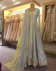 Haus Khas Lehenga Shopping Guide - - - Planning to do your wedding shopping in Delhi? Then a trip to Haus Khas Lehenga stores is a must. Budget from INR to INR 3 Lakhs upwards. Desi Wedding Dresses, Indian Wedding Outfits, Party Wear Dresses, Pakistani Outfits, Indian Outfits, Eid Outfits, Indian Clothes, Wedding Bride, Anarkali Dress