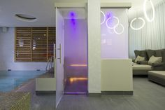 Glass steamroom for Agua City Spa in Eindhoven. Design & Realization: 4SeasonsSpa. (www.4seasonsspa-pro.com)