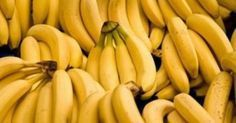 Everyone should eat bananas as it has been proved that this fruit can solve some health issues better than medicines. Moreover, bananas are loaded with. Healthy Tips, Healthy Snacks, Healthy Eating, Healthy Recipes, Healthiest Snacks, Banana Health Benefits, High Carb Foods, Fruits And Veggies, Vegetables