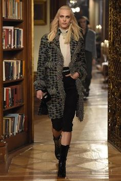 Pre-Fall 2015 Trend: A Need for Tweed.  Chanel Pre-Fall 2015 #WWD