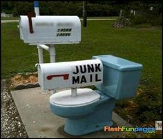 If you are a postal worker and you come across a mailbox like the ones in this list, do you laugh or think wtf. We have gathered 40 funny and weird mailboxes. Funny Mailboxes, Unique Mailboxes, Painted Mailboxes, Custom Mailboxes, Vintage Mailbox, Diy Mailbox, Mailbox Ideas, Mailbox Designs, Brick Mailbox