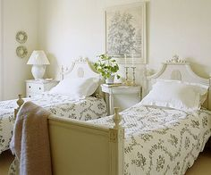 Looks like where           Looks like where Audrey Hepburn would have slept as a youth.