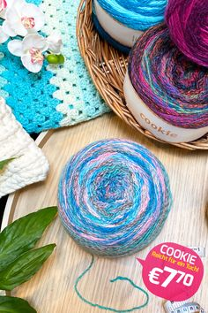 Crochet Flower Tutorial, Crochet Flowers, Yummy Cakes, Cookies, Tips, Shop, Accessories, Scarf Patterns, Patterned Socks