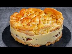 NU mai fac ECLERE - dupa ce am gasit aceasta reteta - YouTube Eclairs, Party Desserts, Dessert Recipes, Choux Pastry, Cake Toppings, Sweet Bread, Dessert Bars, Afternoon Tea, Baking Recipes
