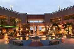 Hilton Long Beach Courtyard