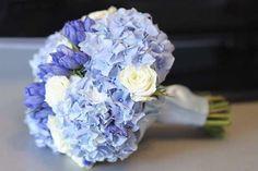 Ramos de novia 2016: fotos ideas originales - Ramo de novias con hortensias azules