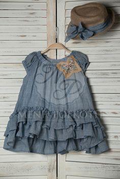 Βαπτιστικό ρούχο της Vanessa Cardui