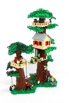 Not just a tree house, but a LEGO tree fort