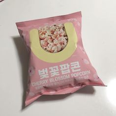 food pink aesthetic cherry blossom popcorn yummy delicious looking mouthwatering soft minimalistic korean cute kawaii g e o r g i a n a : m u n c h & s l u r p Cute Snacks, Cute Food, Yummy Food, Korean Aesthetic, Aesthetic Food, Pink Aesthetic, Japanese Aesthetic, Aesthetic Fashion, Japanese Candy