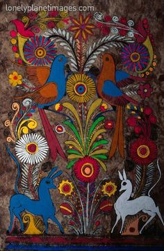 Mexican bark painting - stunningly beautiful Mexican Artwork, Mexican Folk Art, Hispanic Art, Mexican Crafts, Hawaiian Art, Madhubani Art, Art Lessons Elementary, Pattern Art, Creative Art