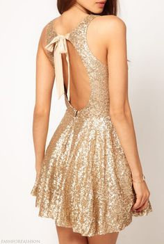 So cute! I need this dresss where to get it from!!??