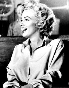 "Marilyn Monroe on the set of ""Niagara"", 1952."