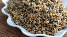 Esta salada de lentilhas vai arrancar suspiros de todos os seus convidados! Aprenda já como faz com a receita da chef Morena Leite (Capim Santo)