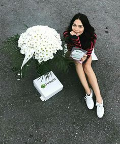 Fashion Tv, Turkish Actors, Beauty And The Beast, Photography Poses, Street Style, Actresses, Outfits, Image, Instagram