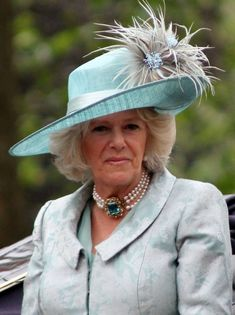 Camilla, Duchess of Cornwall - Wikipedia, the free encyclopedia Meghan Markle, Camilla Duchess Of Cornwall, Royal Uk, Camilla Parker Bowles, Herzog, Prince Of Wales, Lady Diana, Prince Charles, Royal Fashion