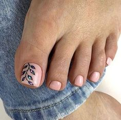Make an original manicure for Valentine's Day - My Nails Pretty Toe Nails, Cute Toe Nails, Pretty Toes, Gel Toe Nails, Pedicure Designs, Manicure E Pedicure, Jamberry Pedicure, Toe Nail Color, Toe Nail Art