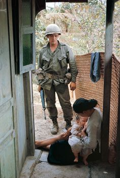 larry burrows vietnam - Google Search