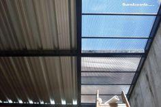 techo de chapa trapezoidal y policarbonato.-