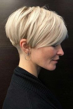Blonde Layered Pixie Haircut ❤ Explore the ideas of sporting short layered hair if you are about to freshen up your style! See how your new texture can change your look for the better. womens style 30 Ideas Of Wearing Short Layered Hair For Women Haircuts For Fine Hair, Short Pixie Haircuts, Short Hairstyles For Women, Hairstyles Haircuts, Pixie Bob Haircut, Pixie Bob Hairstyles, Hairdos, Really Short Hairstyles, Hairstyle Short Hair