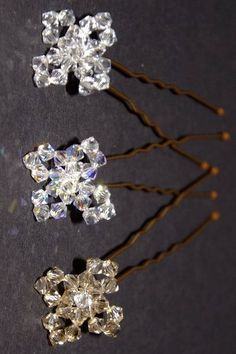 Beaded Hair bobby pins, glue or sew on a beaded bead ( idea only link goes to advertisements)