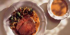 Cuissot de chevreuil rôti, sauce poivrade