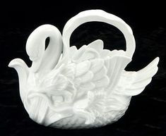 Wondering where I can fit this into my teapot space. It combines my love of swans with my love of tea.