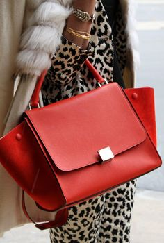 I'm not a huge fan of this celine purse - but I love it in red! Ny Fashion Week, Look Fashion, Fashion Bags, Fashion Handbags, How To Have Style, Looks Style, My Style, Sacs Design, Celine Bag