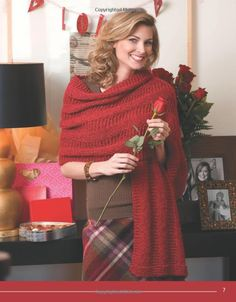 Amazon.com: Knit Along with Debbie Macomber: Friendship Shawls (Leisure Arts #4504) (9781601407429): Debbie Macomber Inc.: Books