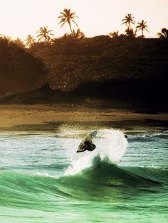 #surf #surfing #waves http://driftingthru.com/skateboards/