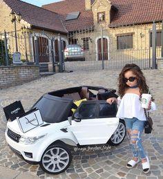 Little fashionista Via Credit Cute Baby Girl, Cute Little Girls, Cute Kids, Cute Babies, Baby Kids, Toddler Girl Style, Toddler Fashion, Kids Fashion, Toddler Girls