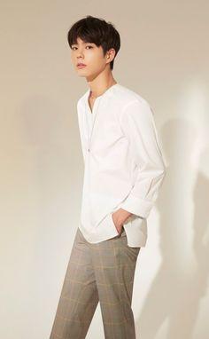 Korean Fashion Men, Korean Street Fashion, Korean Men, Love In The Moonlight Kdrama, Park Bo Gum Wallpaper, Male Pose Reference, Park Go Bum, Handsome Korean Actors, Kdrama Actors