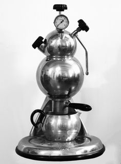 Martian Coffee Maker Most likely made by Giordano Robbiati - this machine features parts from his Atomic coffee makers. Date is unknown but it seems to be from the mid 1950's.