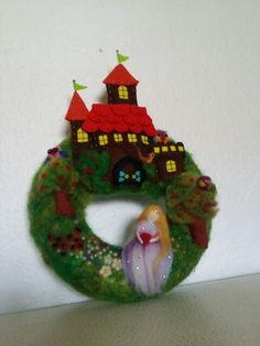 Nadelfilz Türkranz Christmas Ornaments, Holiday Decor, Home Decor, Felting, Christmas Ornament, Interior Design, Home Interior Design, Christmas Topiary, Home Decoration
