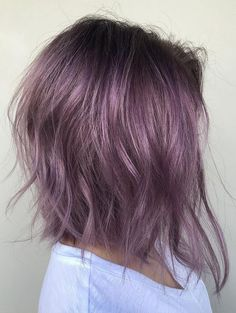 Chic Ombre Lavender Hairstyles With Highlights Trend in 2019 Lavender Hair With Gentle Highlights; Adorable Silver Lavender Hair Trend in 2019 Violet Hair Colors, Hair Color Purple, Purple Bob, Purple Colors, Purple Roses, Subtle Purple Hair, Pastel Hair Colors, Fun Hair Color, Black Roses