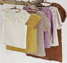 Babystrik på pinde 3 by Lene Holme Samsø. 0-2 years Knitting For Kids, Baby Knitting Patterns, Sewing For Kids, Knitting Stitches, Baby Patterns, Knitting Yarn, Knitting Projects, Diy For Kids, Stitch Patterns