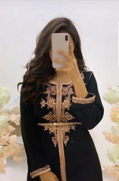 Cute Girl Poses, Girl Photo Poses, Girl Photography Poses, Kaftan, Caftan Dress, Oriental Dress, Oriental Fashion, Morrocan Dress, Moroccan Caftan
