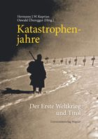 """Dieses Buch analysiert die Geschichte Tirols im Ersten Weltkrieg in all ihren Facetten. Es beschäftigt sich mit dem Leben und Sterben der Soldaten und mit dem entbehrungsreichen Kriegsalltag der Menschen an der """"Heimatfront""""."""