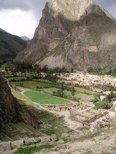 de la Barra photography, honeymoon ideas, honeymoon in South America, Cuzco, Peru, Ollantaytambo, inca site 60 kms NW of the city of Cuzco