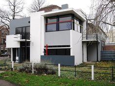 Casa vanguardista Neoplasticista en las afueras de Utrecht, inspirada en una obra de Piet Mondrian - Arquitecto Gerrit Rietveld