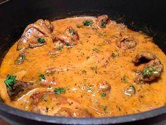 Kylling i gryde med røget paprika, hvidvin og flødefraiche Food N, Food And Drink, Danish Food, Meal Planner, Wok, Italian Recipes, Slow Cooker, Healthy Living, Curry