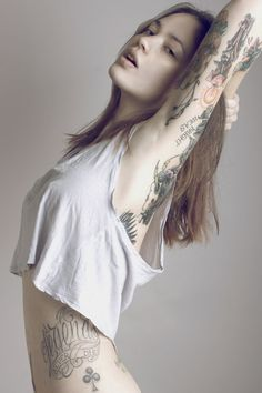 No Bullshit, Extremely Hot Tattoo Girls. Bild Tattoos, Hot Tattoos, Body Art Tattoos, Tattoo Ink, Tatoos, Skull Tattoos, Arm Tattoo, Female Tattoos, Sleeve Tattoos