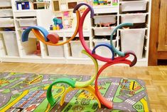 100 ideas to play the Large Wooden Rainbow Stacker - Grimm's Toys, Diy Toys, Rainbow Activities, Toddler Activities, Grimms Rainbow, Making Wooden Toys, Arte Country, Wooden Rainbow, Wooden Train