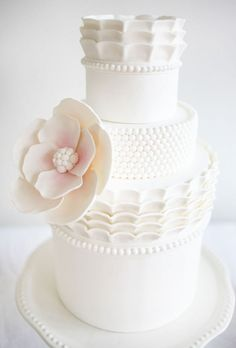 for the love of cakes. Jessicakes via Style Me Pretty