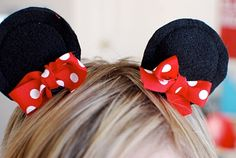 DIY Minnie/Mickey hairclips. Four circles of felt (used the bottom of a cup as a guide), sewn together (you could probably even glue) and then hot glued bows and alligator clips on.