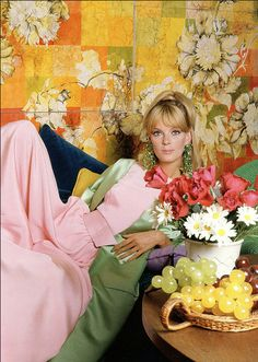 1964 Nena von Schlebrugge in pink crepe jumpsuit with pistachio green satin housecoat,