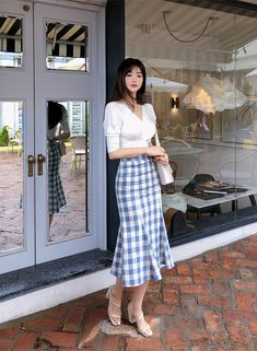 Korean Girl Fashion, Korean Fashion Trends, Korean Street Fashion, Ulzzang Fashion, Asian Fashion, Classy Work Outfits, Modest Outfits, Chic Outfits, Pretty Outfits